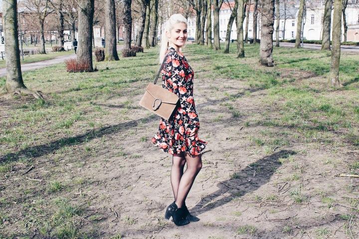 printemps-fleuri-dresscode-audrey